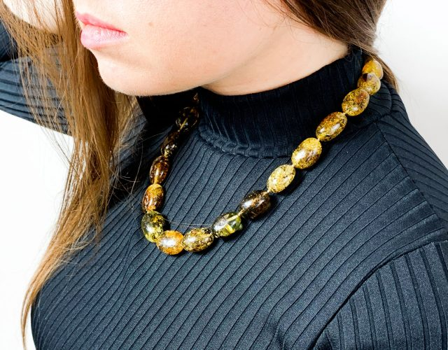 large-green-amber-necklace-2